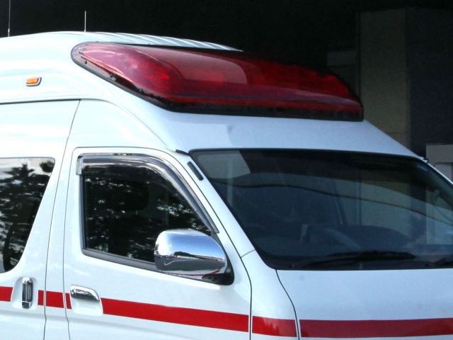 救急車で搬送された
